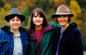 1992.04.15.01 Sisters